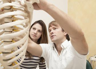 chiropractors image
